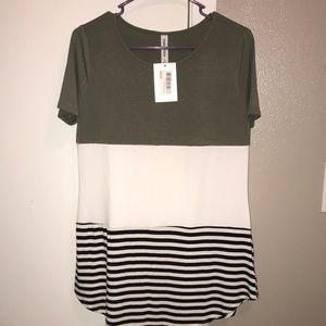 NWT!! Women's shirt